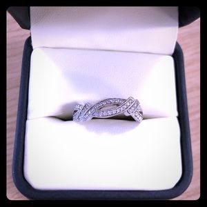 Jewelry - Women's diamond ring band, size 7.25 (7 1/4)